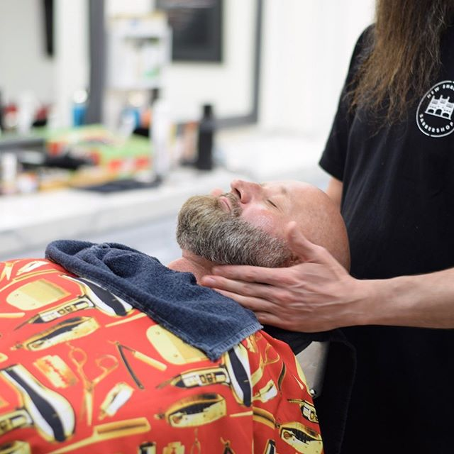 Treat yourself or someone you know to a traditional hot shave...its really nice 😁 . . #vancouver #curiocityvancouver #vancityvibe #dailyhivevan #604now #vancouverbarbers #vancouverbarber #vancouverbc #vancouverbarbershop #barbers #vancitybuzz #vancouversalon  #vancity #yvr #vancityhype #hairstylist #hairdo #hairoftheday #instahair #vancitylife #604now #hypebeast #freshfades #bestbarbers #barbershop #vancitynow #igersvancouver #vancouverartist #vancouvercommunity