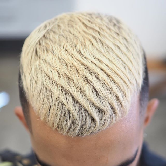 Get creative with styling your hair. Dont limit yourself to just one style. Most haircuts can be cut very similar from one another but can be dressed into many different styles . . . #vancouver #curiocityvancouver #vancityvibe #dailyhivevan #604now #vancouverbarbers #vancouverbarber #vancouverbc #vancouverbarbershop #barbers #vancitybuzz #vancouversalon  #vancity #yvr #vancityhype #hairstylist #hairdo #hairoftheday #instahair #vancitylife #hypebeast #freshfades #bestbarbers #barbershop #vancitynow #igersvancouver #vancouverbloggers #vancouverartist #vancouvercommunity