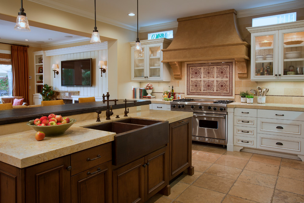 10 Features of a Farmhouse Kitchen and 30+ Inspiring ...