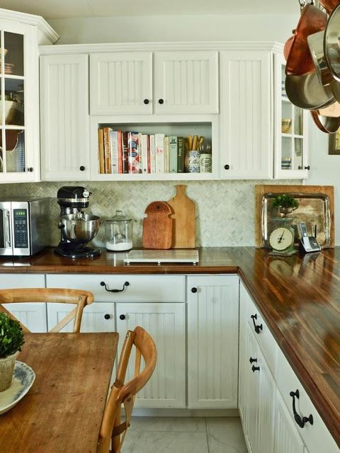 Beadboard upper and lower cabinets