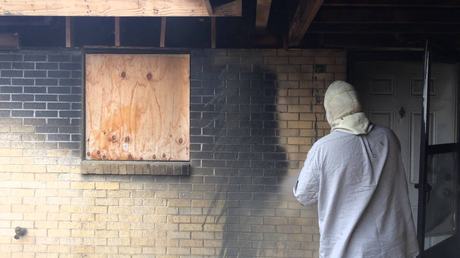 Dustless blasting - Cleaning fire damage from brick and wood