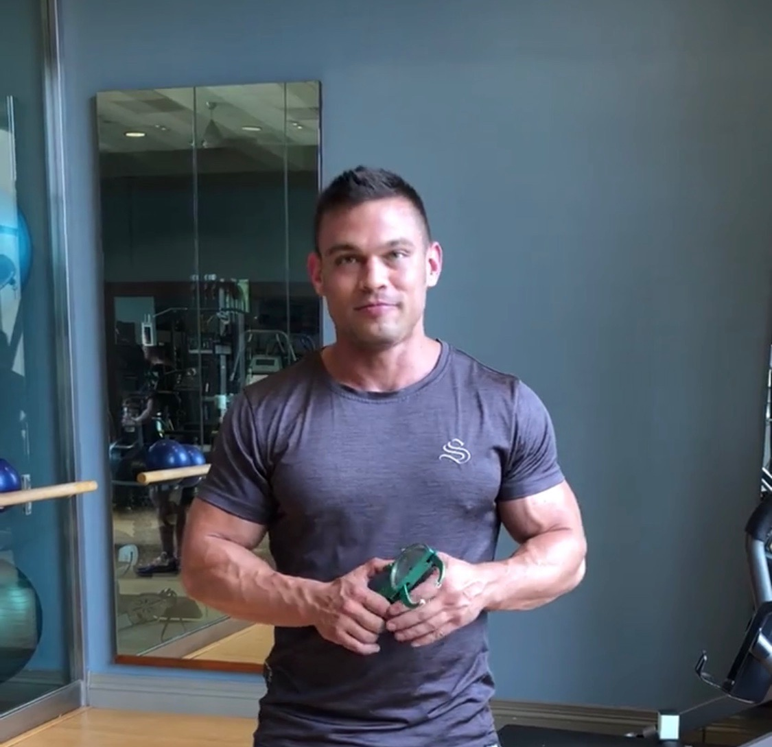 JONATHAN WARREN - Bodybuilder. Trainer. Neuromuscular Therapist.