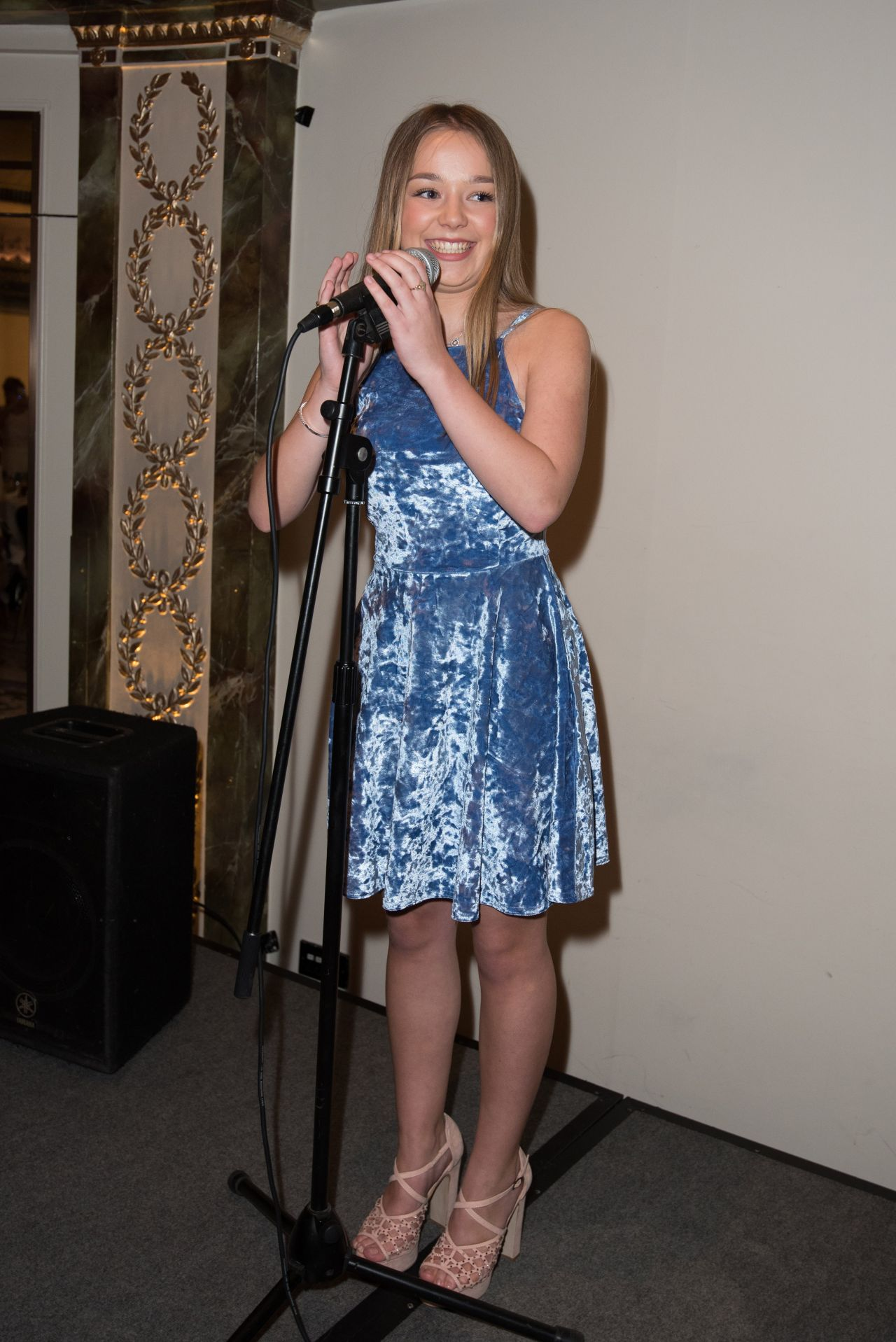 connie-talbot-shooting-star-chase-children-s-hospice-at-the-dorchester-london-05-26-2017-7.jpg