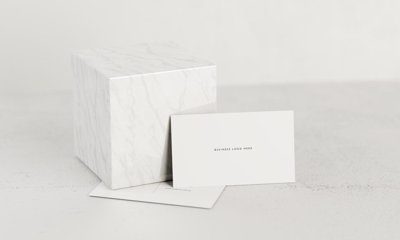Minimal-Business-Card_Mockup - 4.jpg