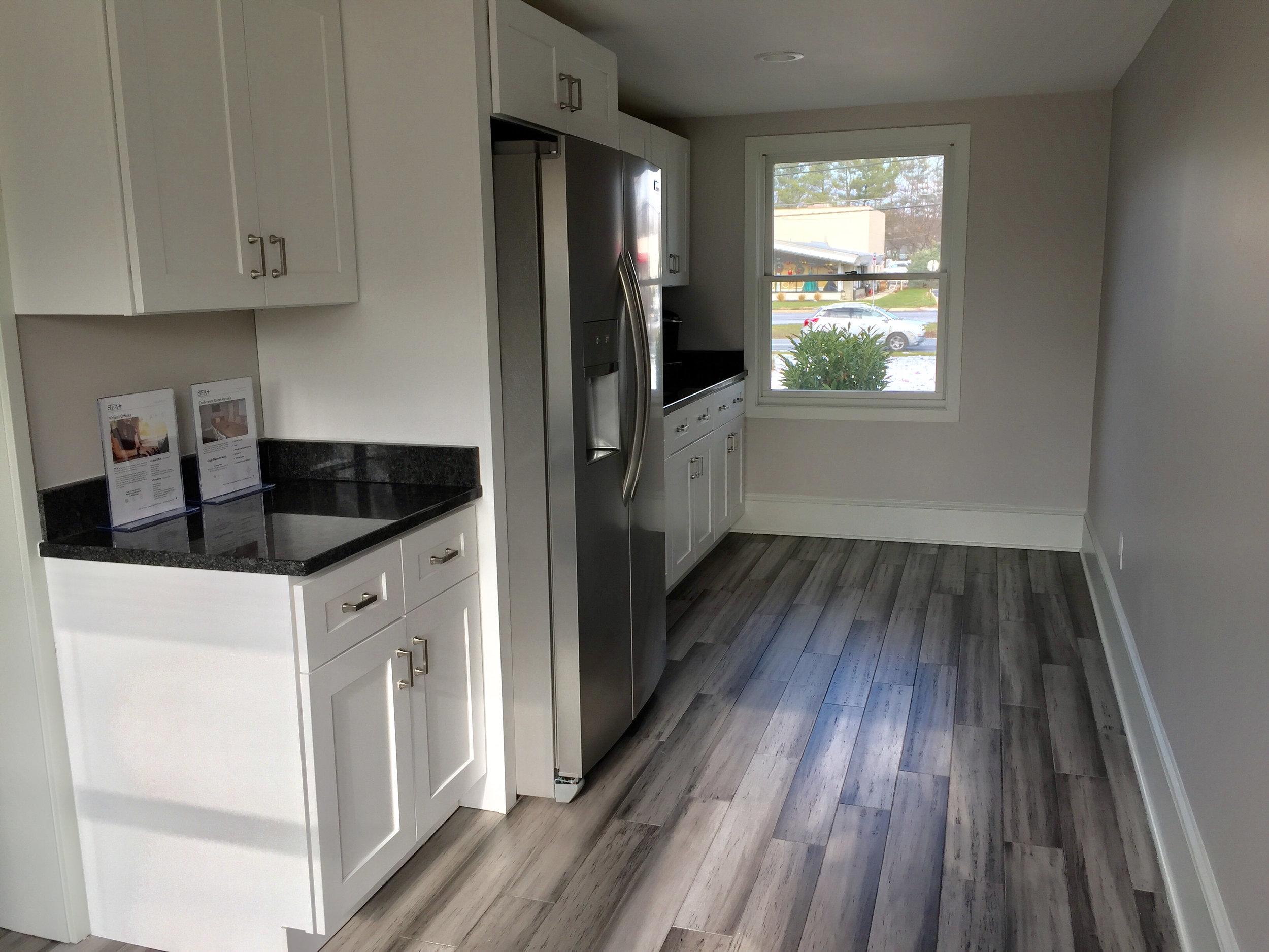 403-kitchen.jpg