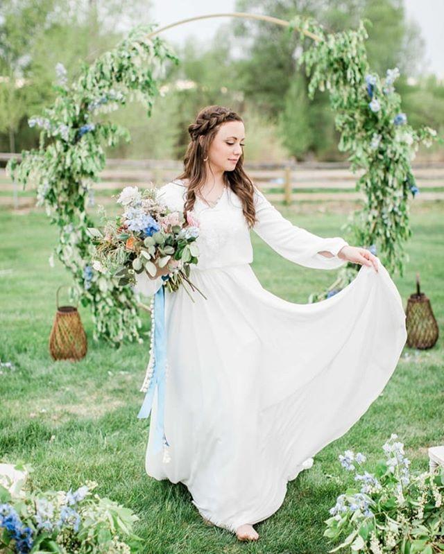 Thanks everyone for coming out to our Spring #creativemeetandshoot tonight! .. .. Venue @labellelakeidaho  Dress @thecircleoflove  Photo:@brookstmcfadden  Floral @plushfloral  Model @annixi_huff .. #floraldesigner #floral #cakeartist #cakedecorating #cakesofinstagram #weddingcake #weddingphotography #weddinginvitations #stationary #calligraphy #idaho #idahofalls #idahome #idahofallsflorist #rexburgidaho #rexburgflorist #rexburgweddings #idahophotographer #utahweddingphotographer #pocatelloflorist #jacksonholeflorist #buttercreamcake #details #calligraphy_art #stationary #stationary #invitations #outdoorphotography #idahobride #idahowedding #floral #sunvalleyidaho