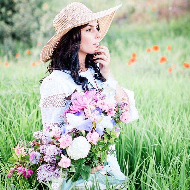 Poppy fields forever @plushfloral @honeyseedphotography @haileynholden