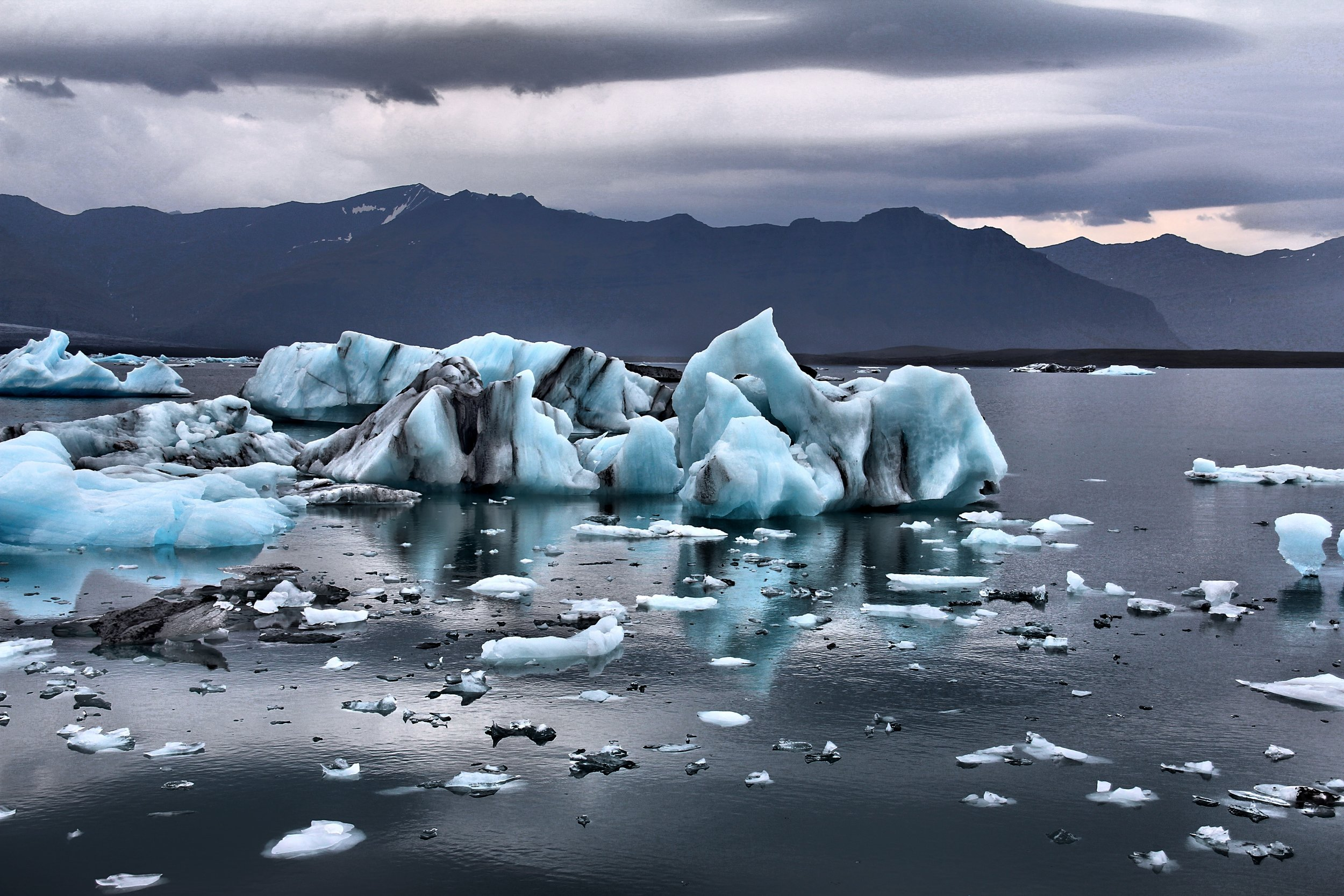 Climate Change for Beginners - Feel confused about what the facts are? Overwhelmed by information but unsure how to apply it to your life? Need to have some facts at your fingertips? Curious but don't have the time to go through all the data out there?