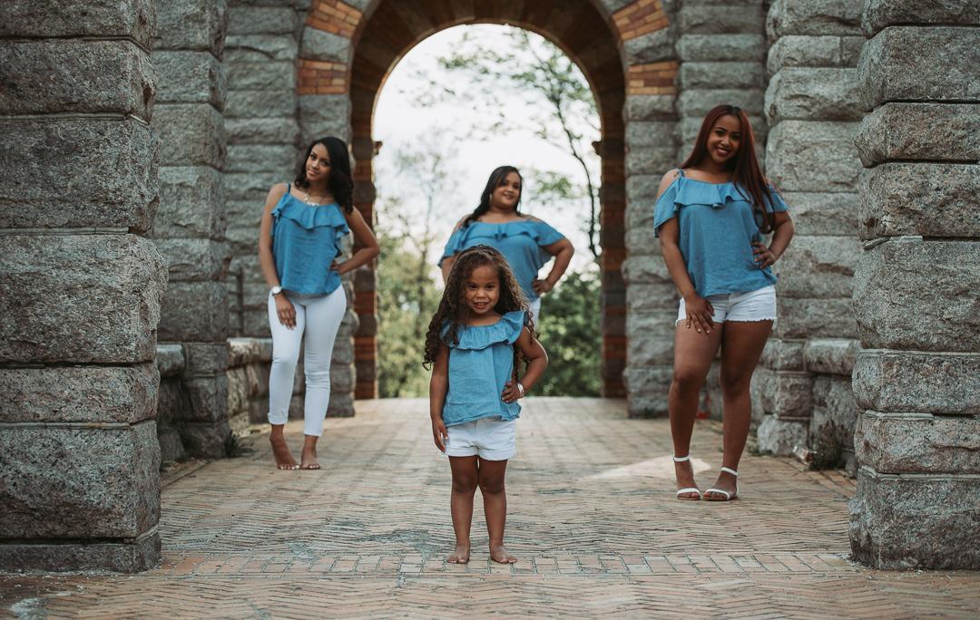 mayra family photoshoot (98 of 112).jpg