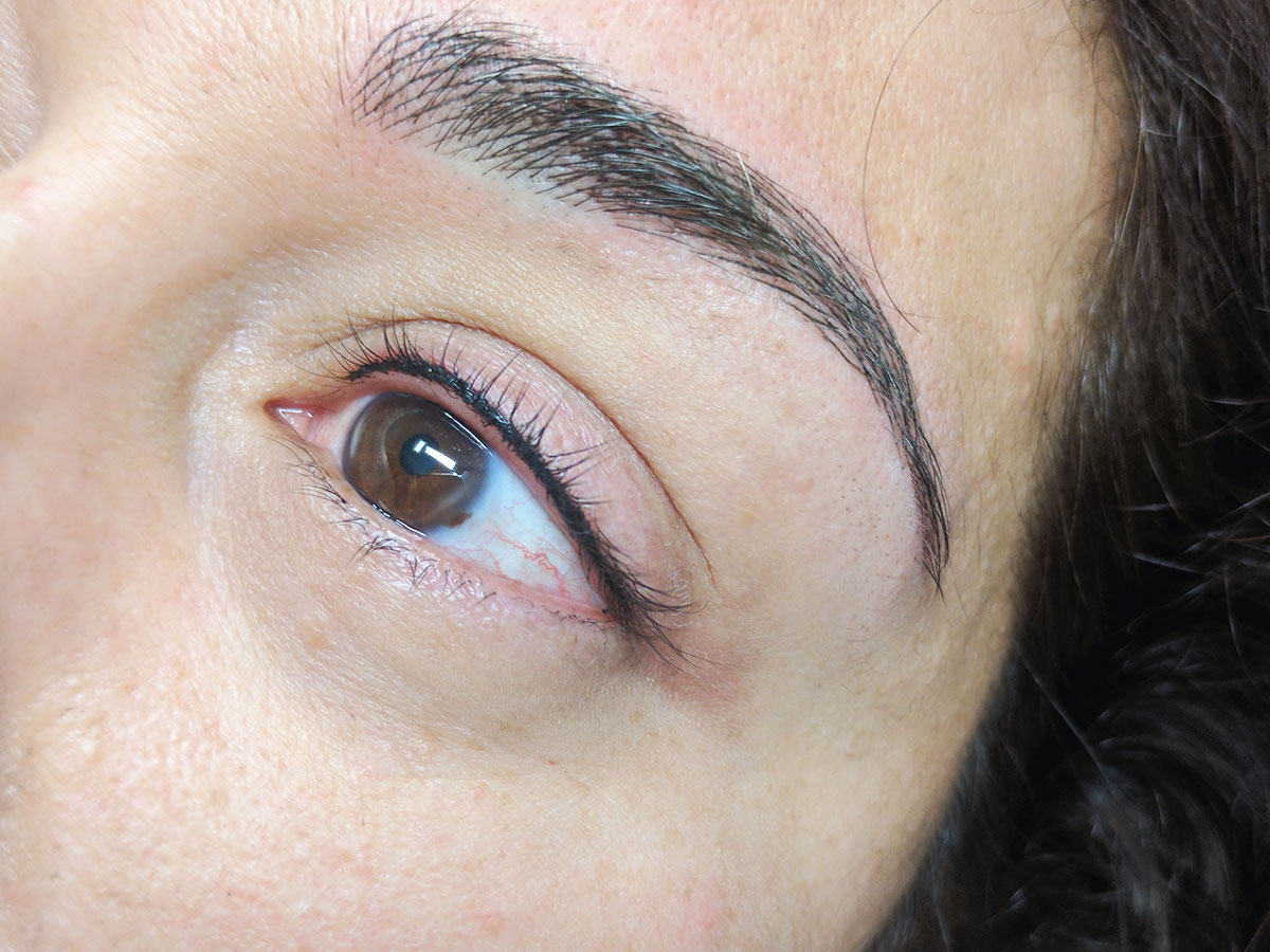 Eyeliner_upper.jpg