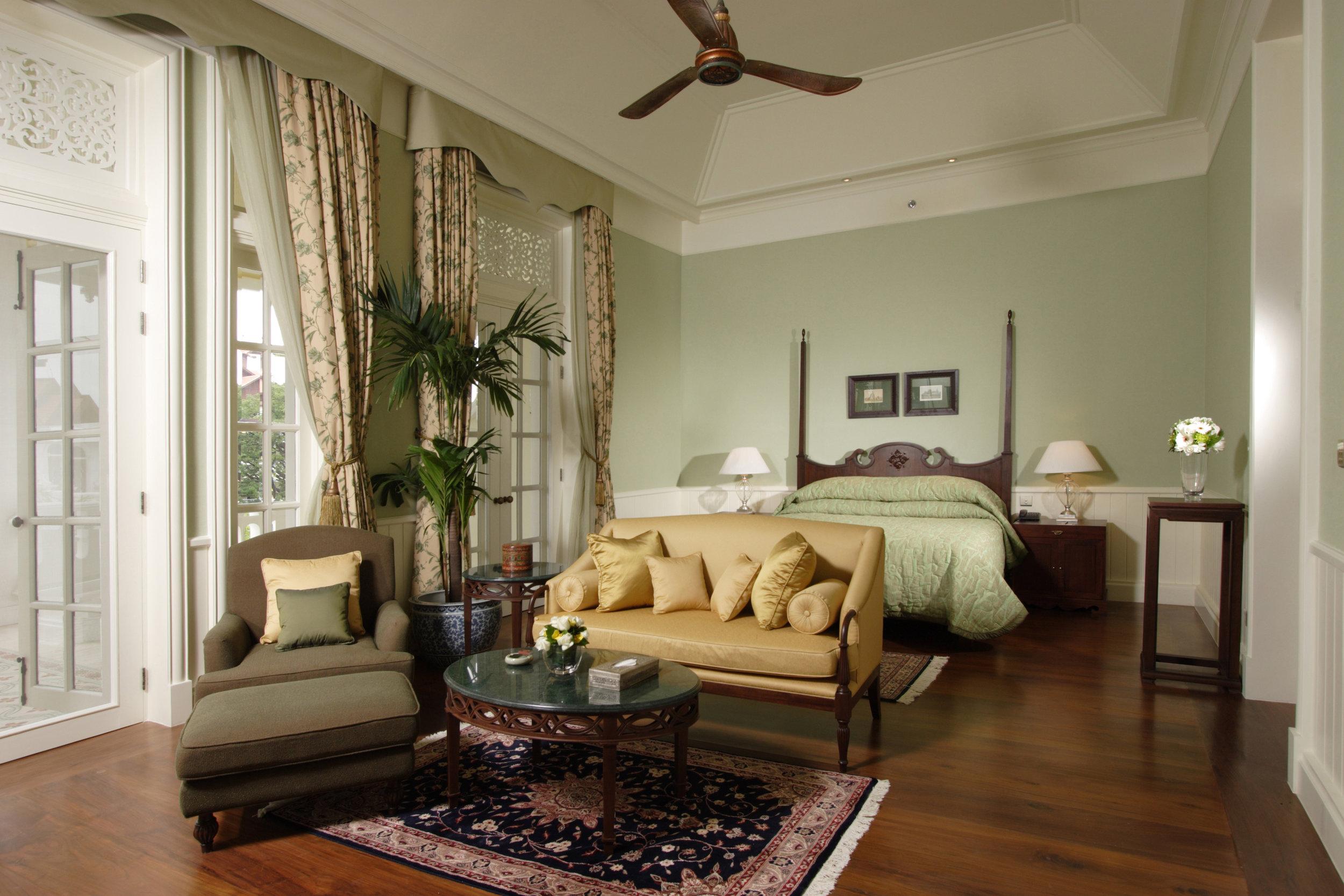 07 Deluxe Colonial Suite.jpg