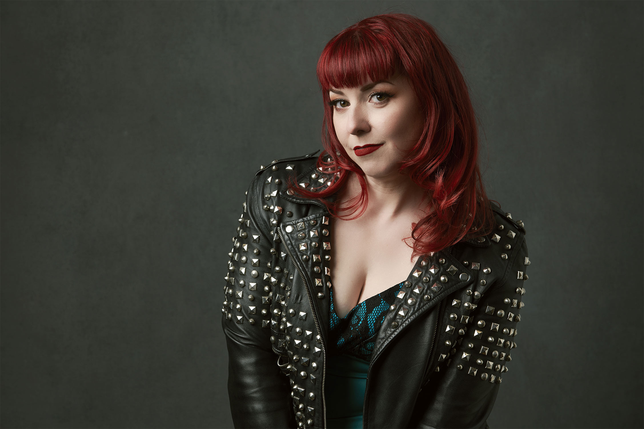 Joanna04529-redhead-woman-in-leather-jacket.jpg
