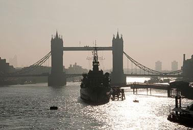 Tower-bridge-hms-belfast.jpg