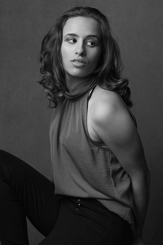 Woman-black-and-white-stunning (1).jpg