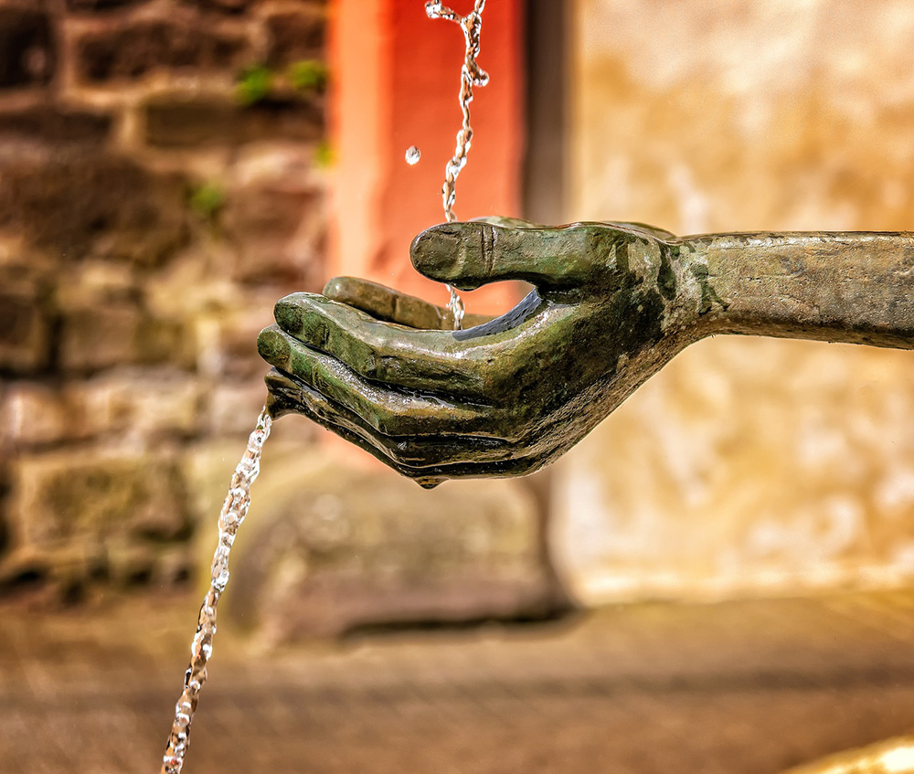 plug-the-leaks-fast-beth-wonson-3412242-pixabay.jpg