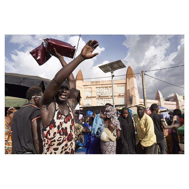 Grand Marché de Bamako, August 10, 2019  #mali #bamako #westafrica #everydayafrica #tabaski #marketplace #streetphotography #reportagespotlight #documentaryphotography #street #shopping #africanmall #afpphoto #leica
