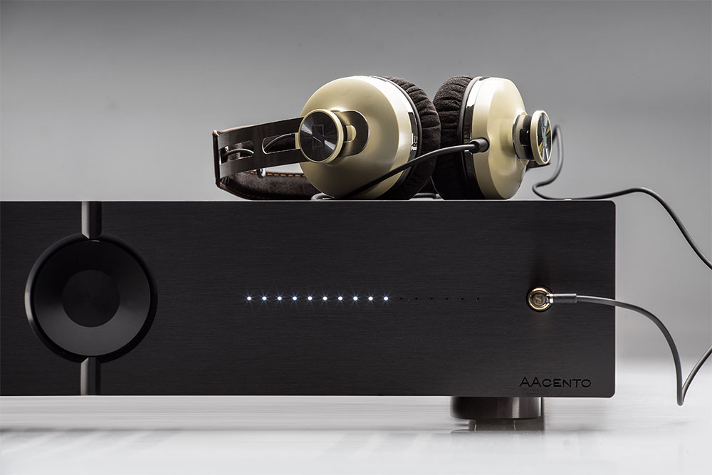 AACento amplifier from Audio Analogue