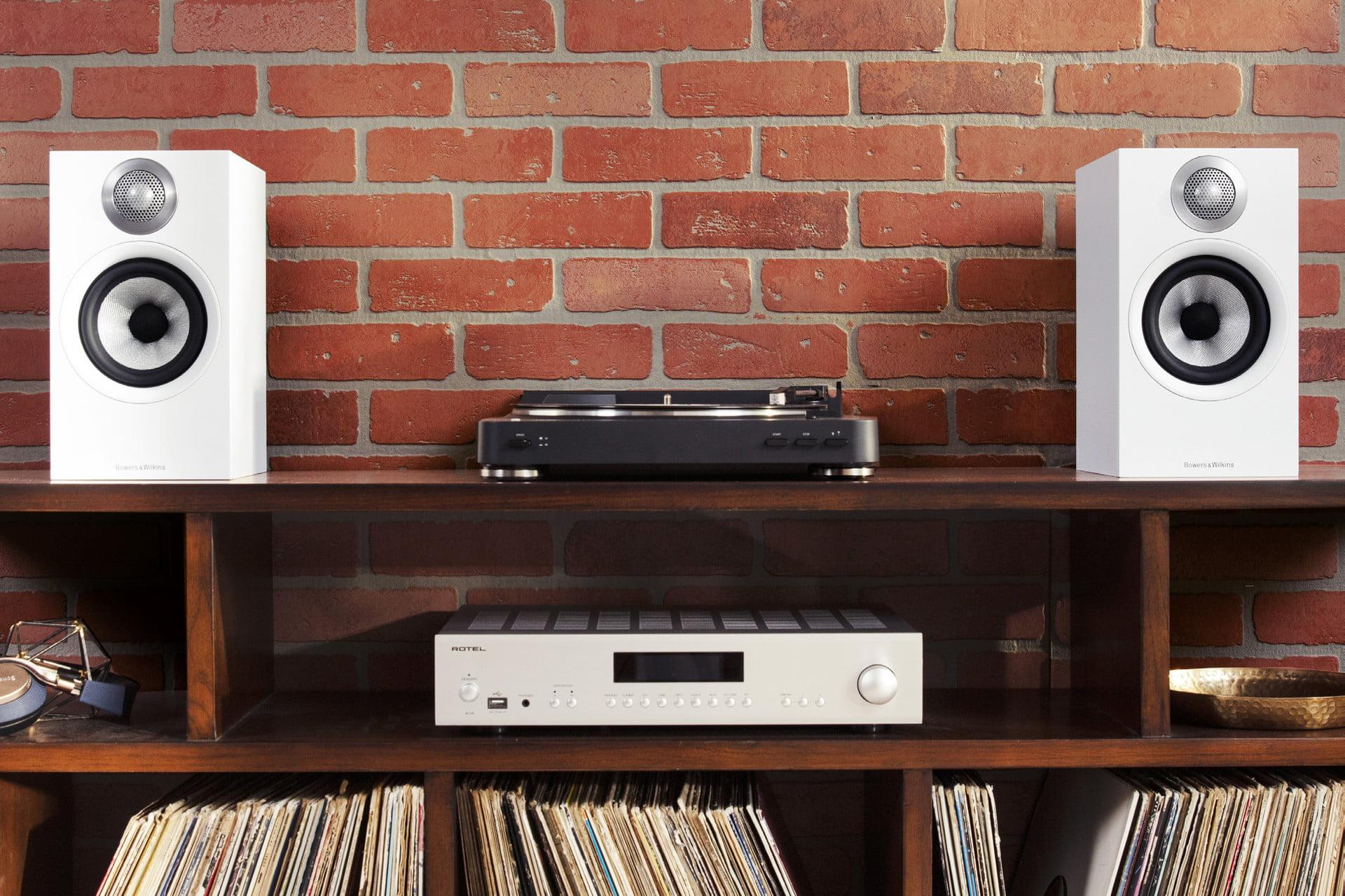bowers-wilkins-607-speakers.jpg