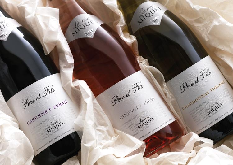 Pere-et-Fils-wine-bottles-and-labels.png