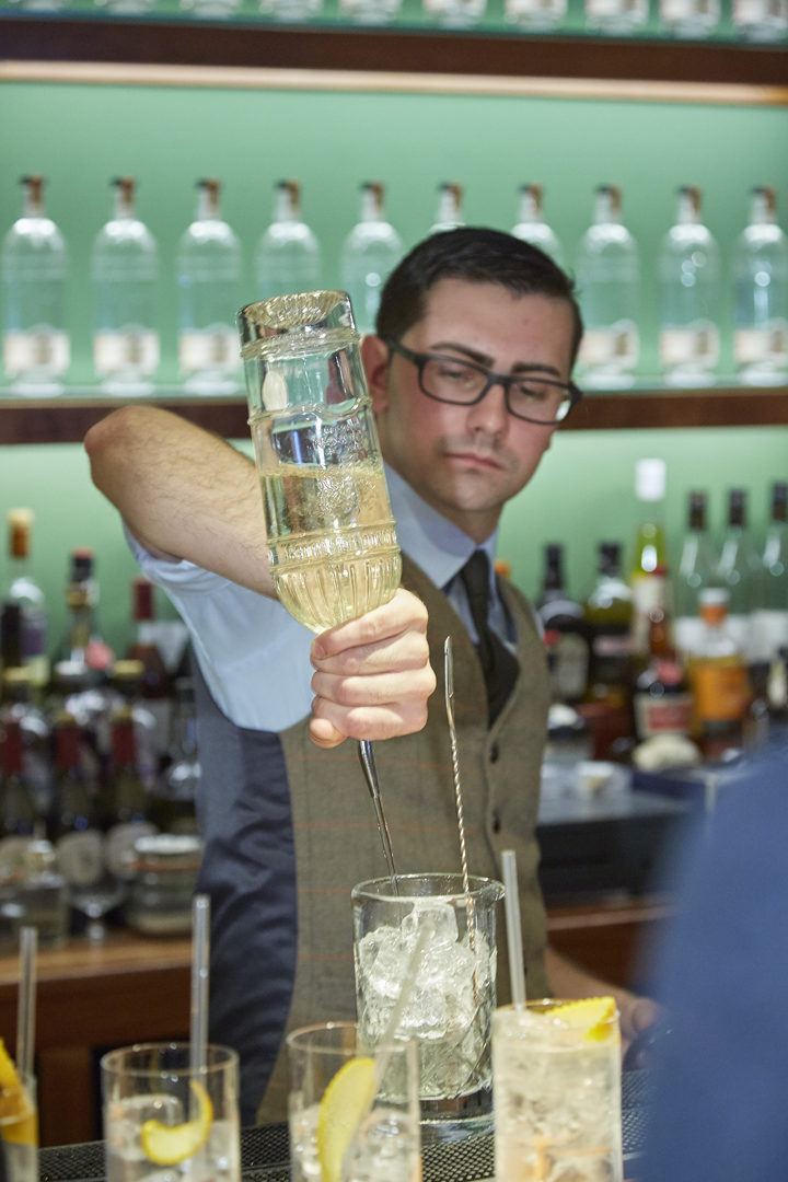 City-of-London-Distillery-barman.png