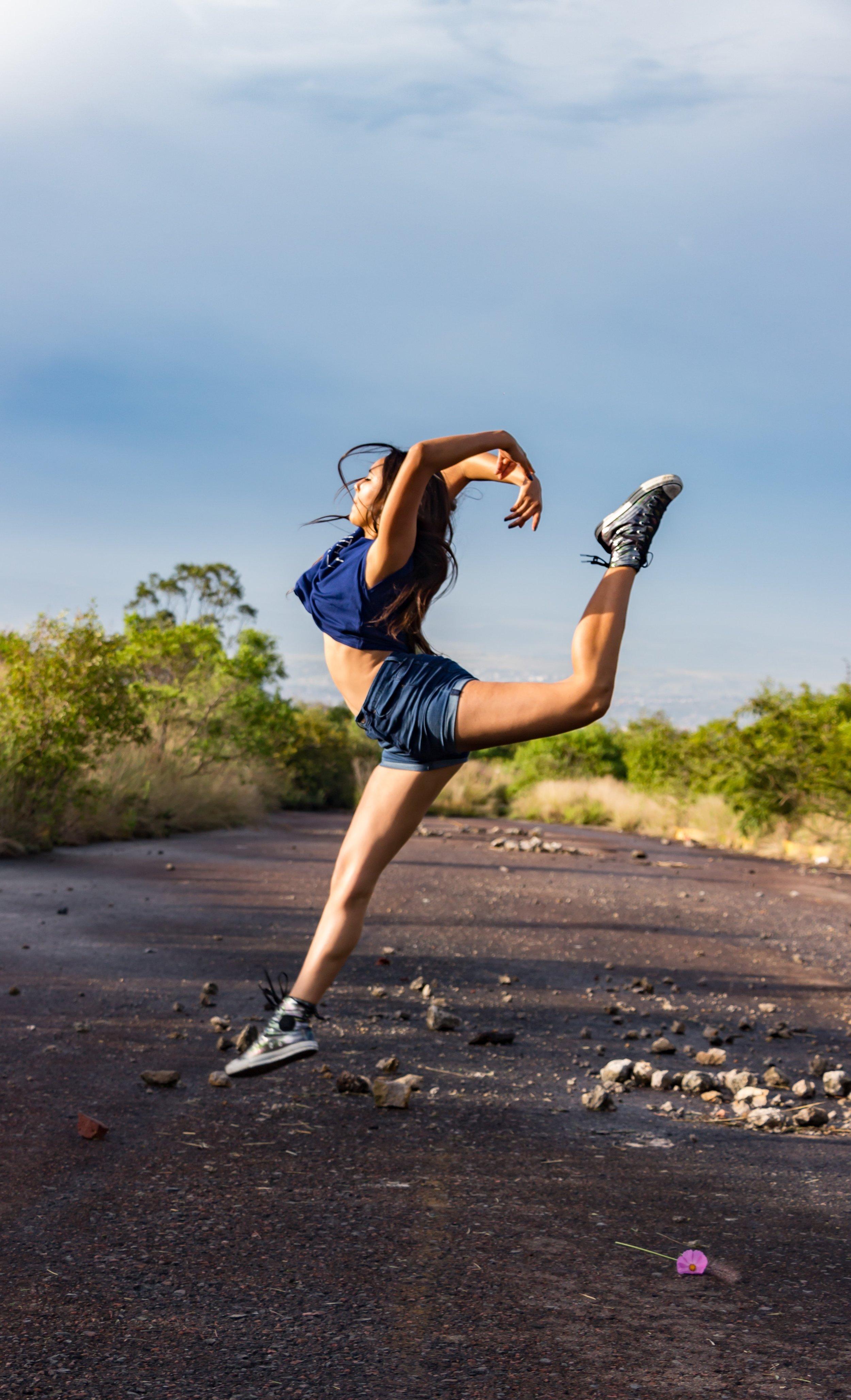 active-athletic-girl-ballet-dancer-1638051.jpg