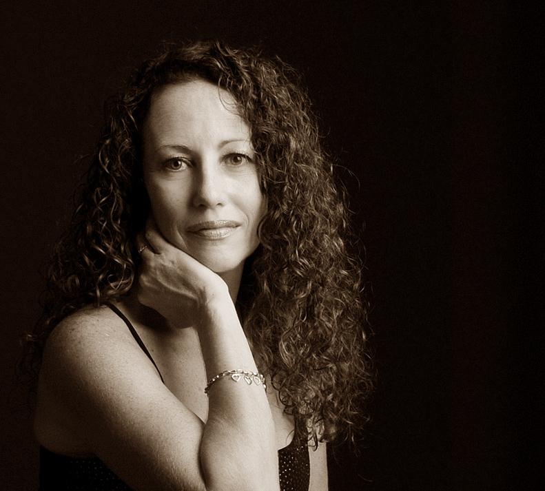 Lynda-Carlyle-Sex-Therapist.jpg