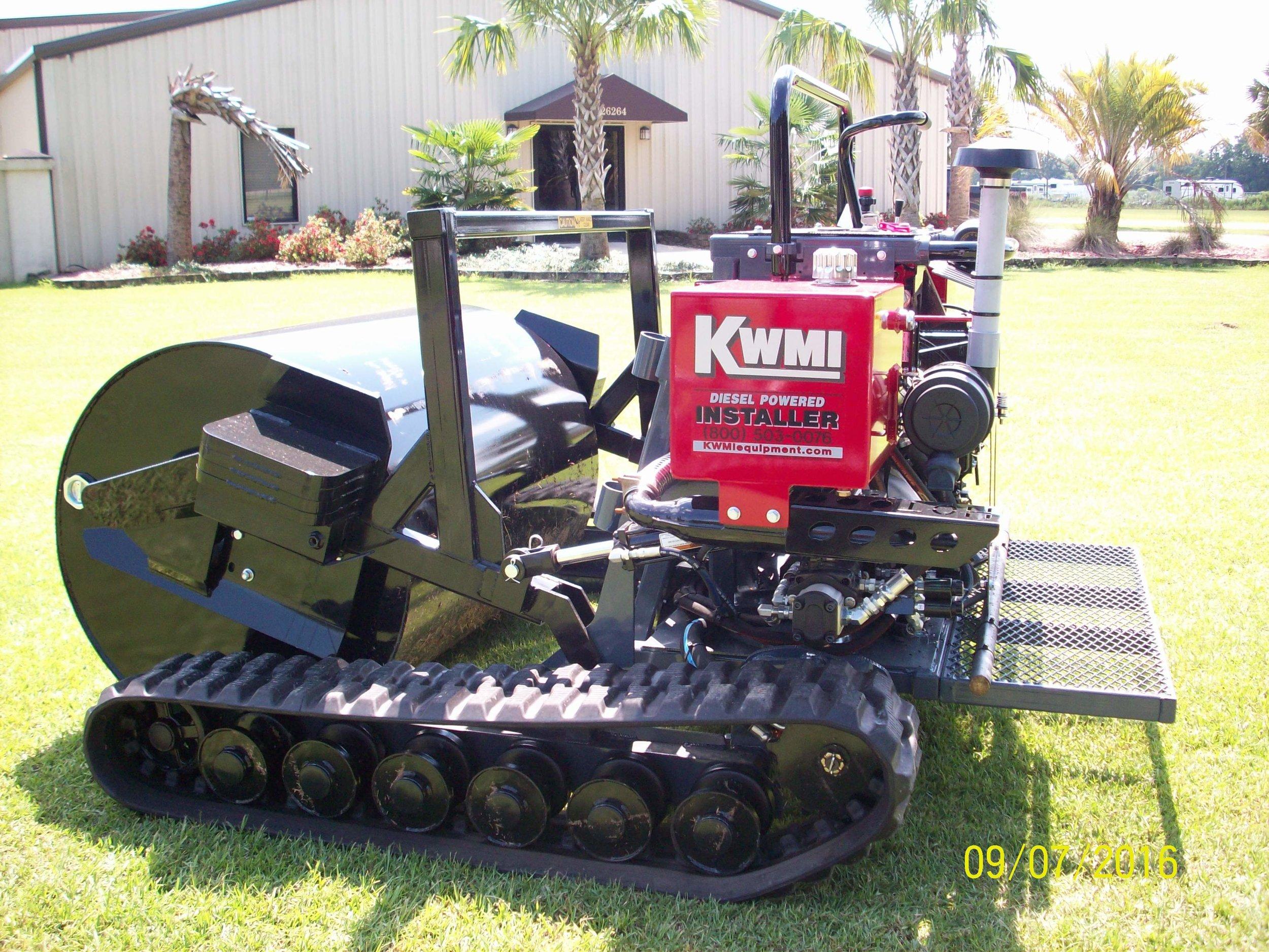 Big Roll Track Installer | Landscaper's #1 Choice — KWMI