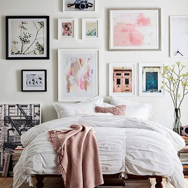 College dorm or apartment...Space for decor may be limited, so choose a wall and turn it into your own canvas of inspiration... @pbapartment #allaboutthebliss #walldecor #collegedorm #apartmentliving #homedecor #decoranddesign #interiordesign #modernboho #art #decorinspo #photographyart