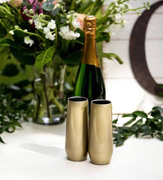 Need a gift idea for a shower or housewarming party? Nothing says celebration better than champagne flutes and a bottle🍾 🥂 . . . . . . #sohonc #sohogiftideas #bestofwinston #wsnc #myws