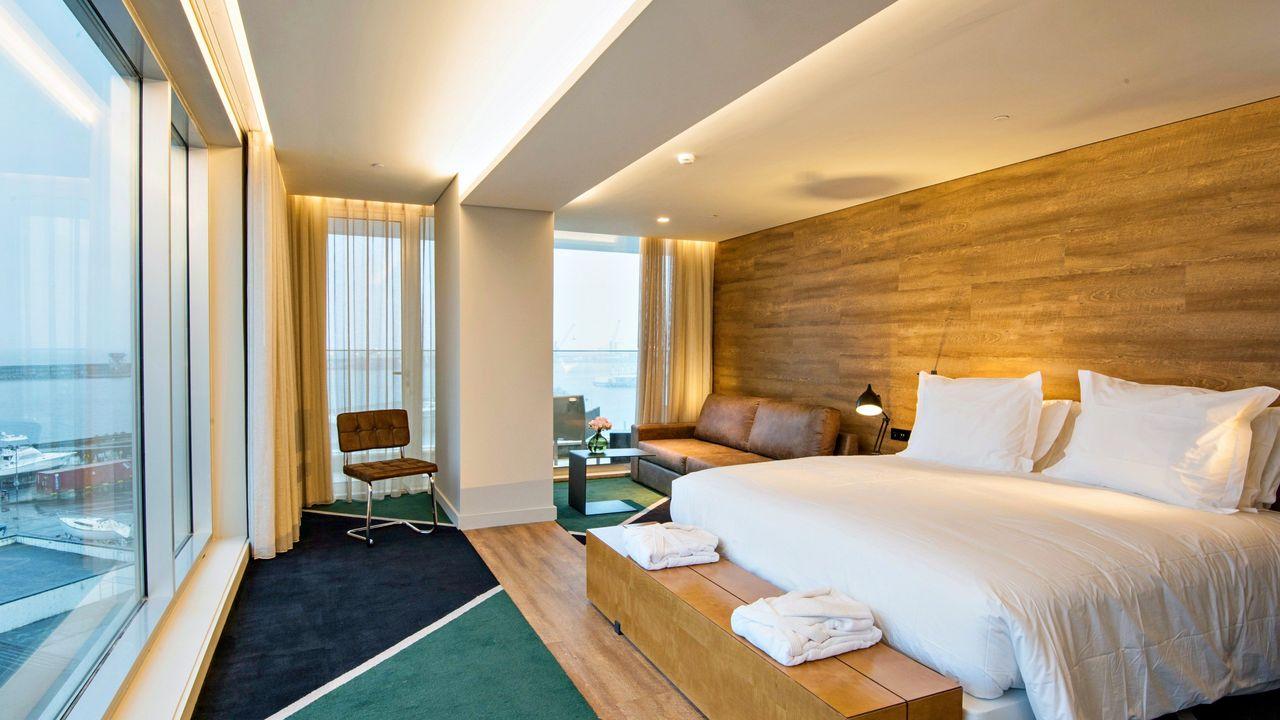 Azor Hotel, Ponta Delgada.jpg