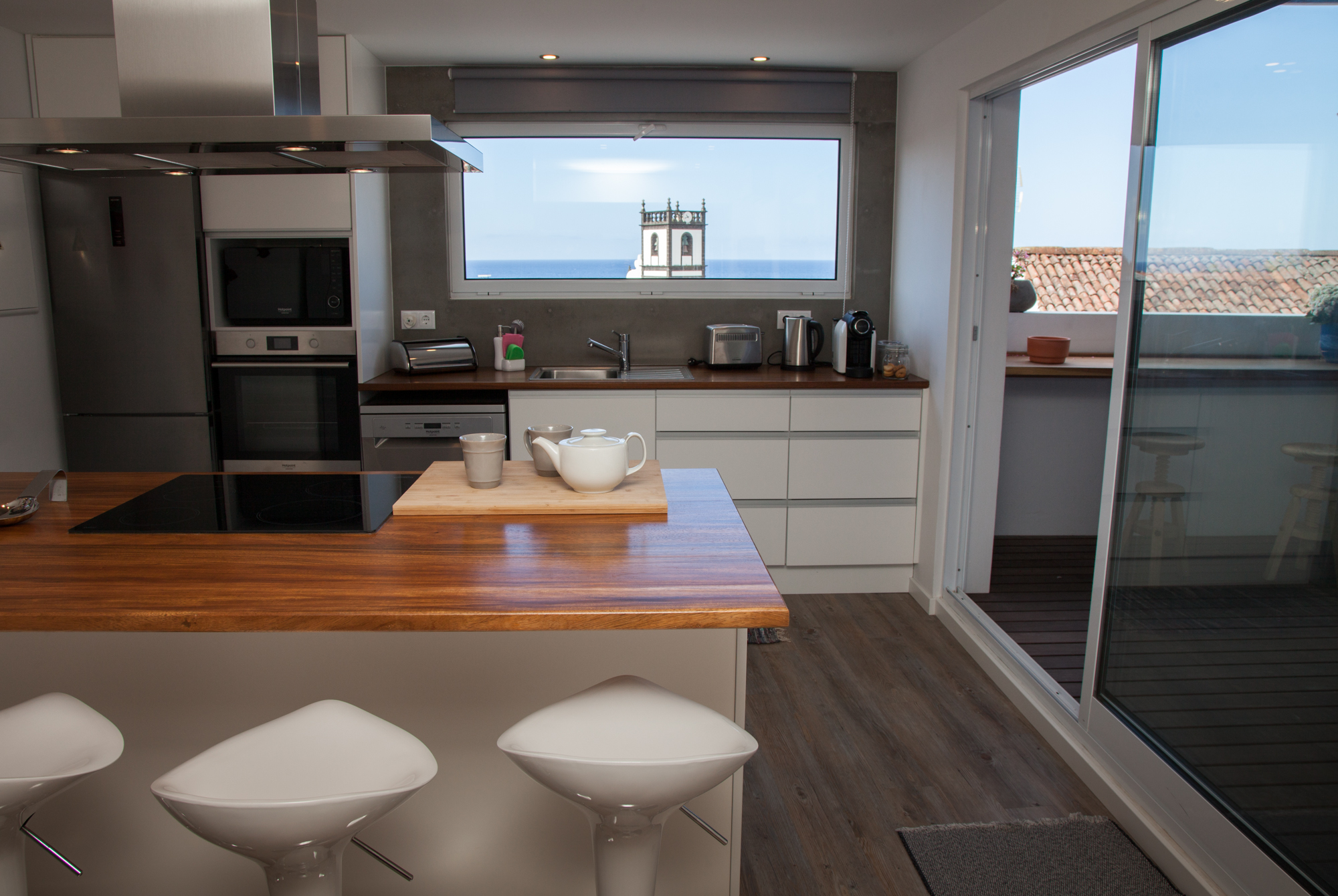 Azores Accommodation Villa Terra Kitchen - Azores Connections.jpg