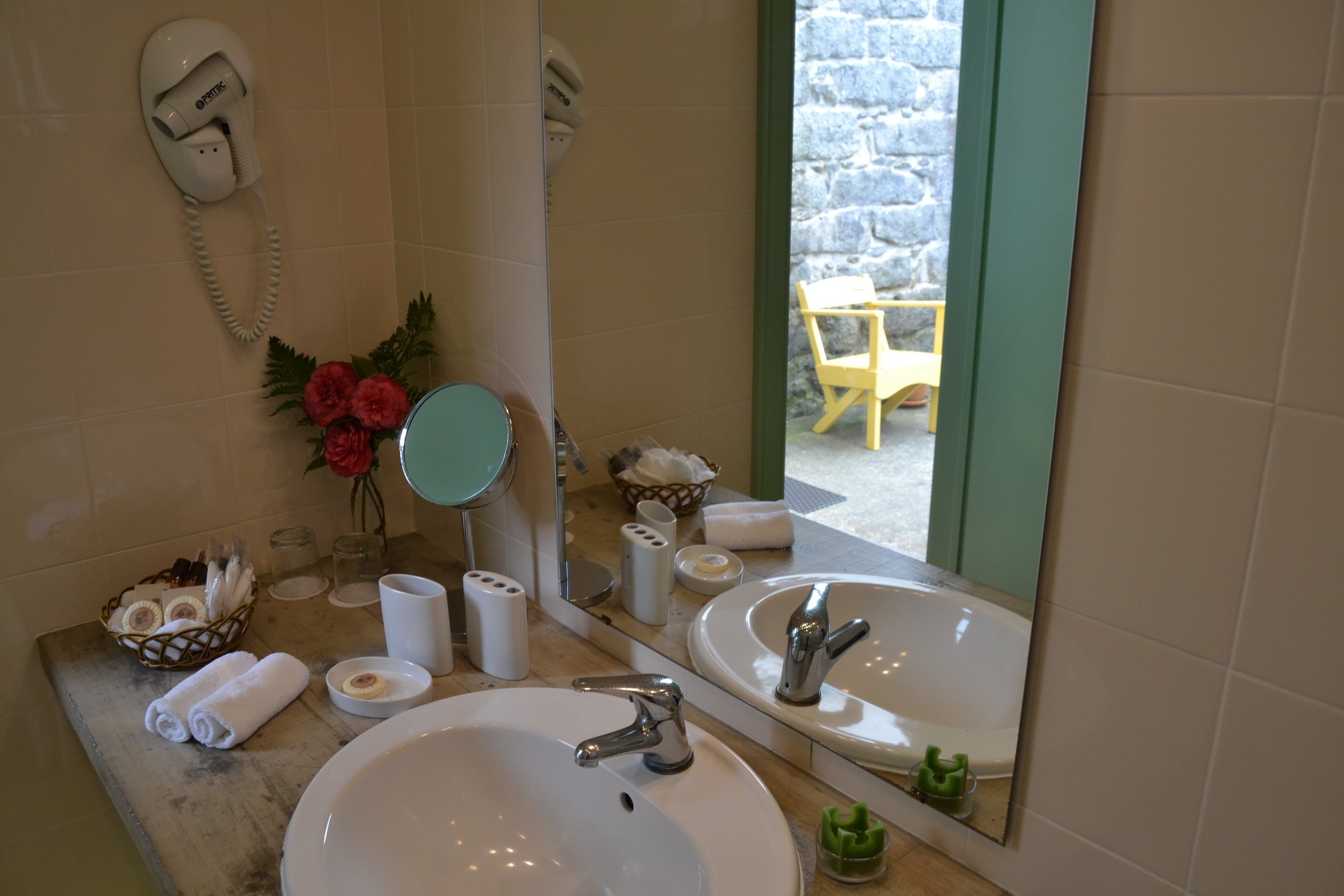 Sao Miguel Holiday Cottage Bathroom - Azores Connections.JPG