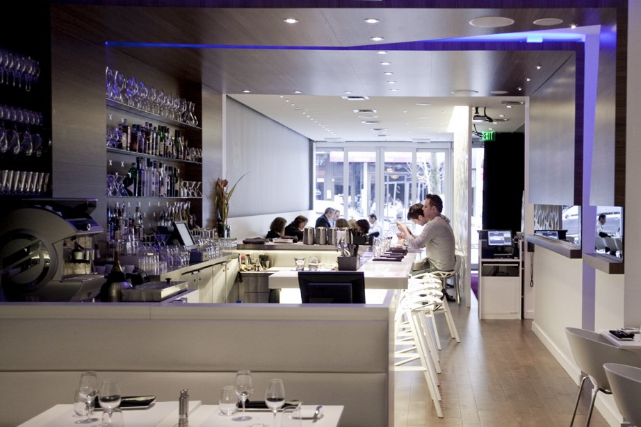 325880-malgre-decor-spectaculaire-restaurant-nuvu.jpg