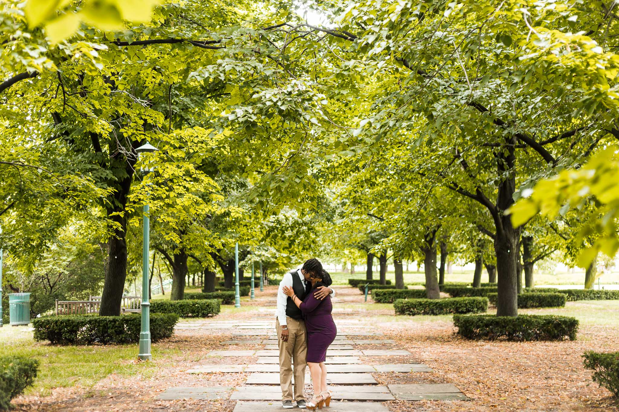 st-louis-wedding-photographer-nelson-atkins-engagement-27.jpg