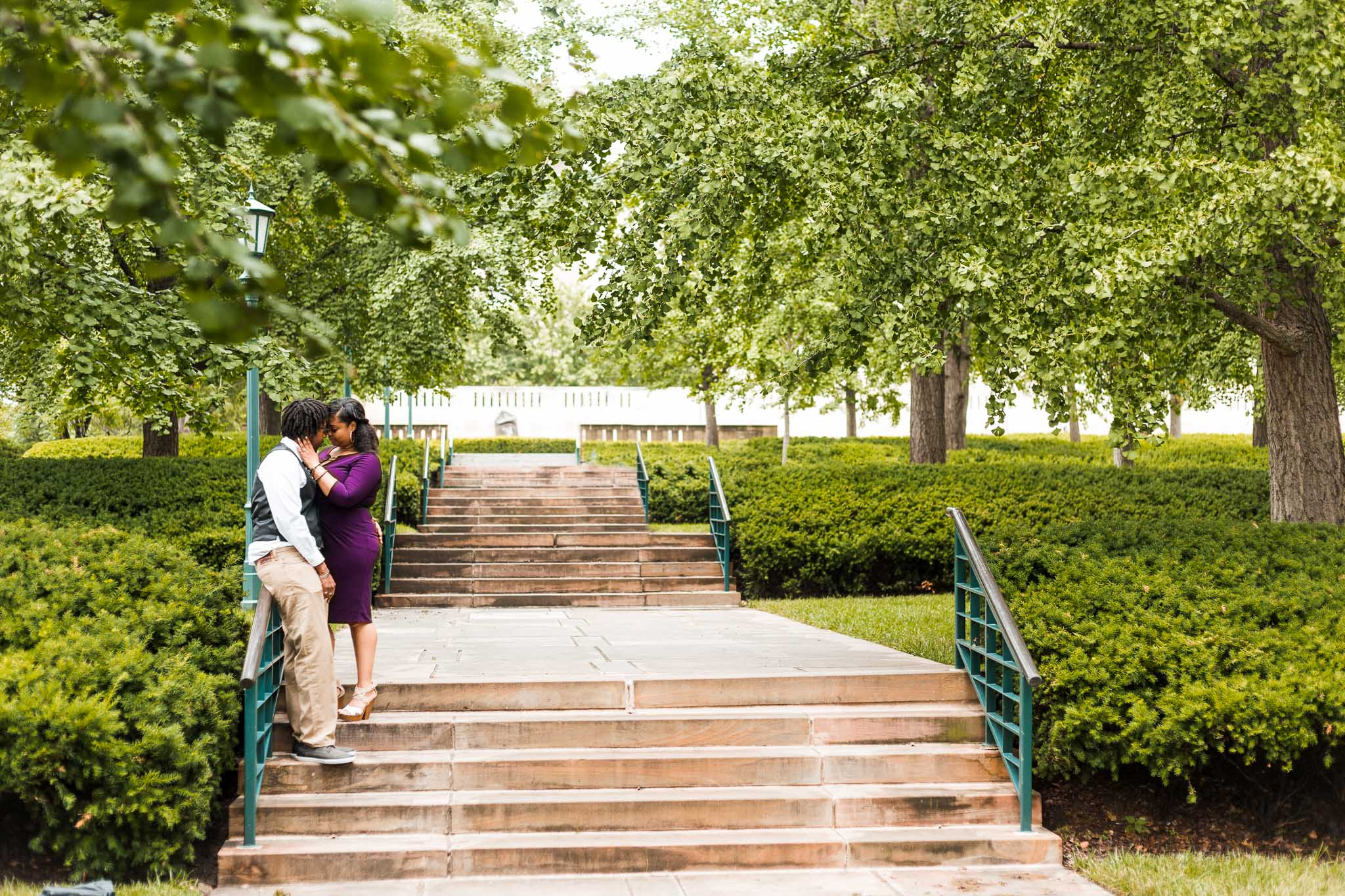 st-louis-wedding-photographer-nelson-atkins-engagement-33.jpg