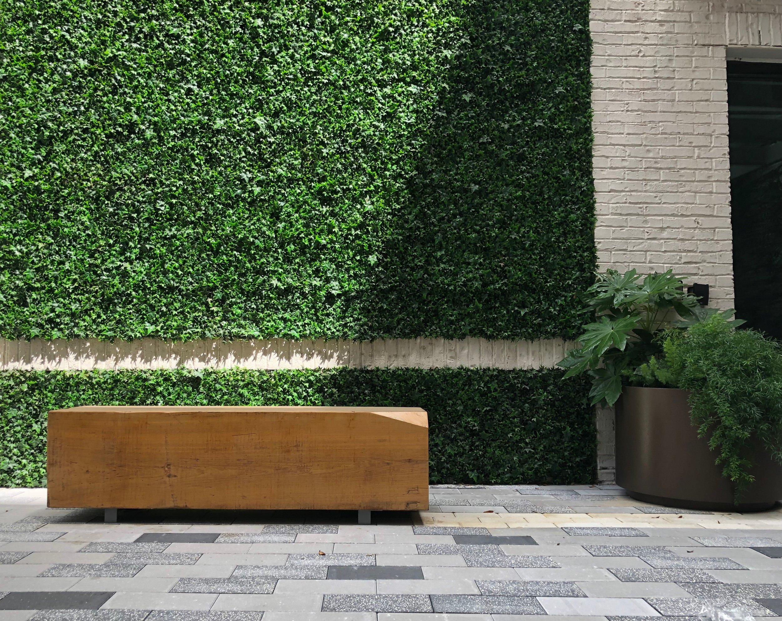 Novel Lucerne bench.JPG