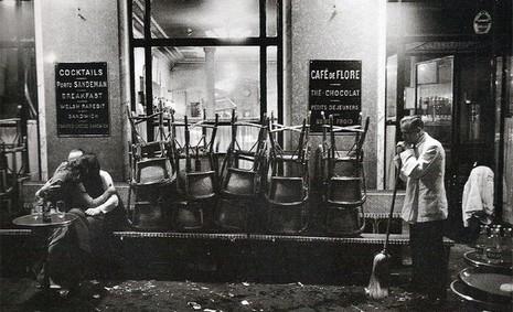 baiser-cafe-flore-paris.jpg