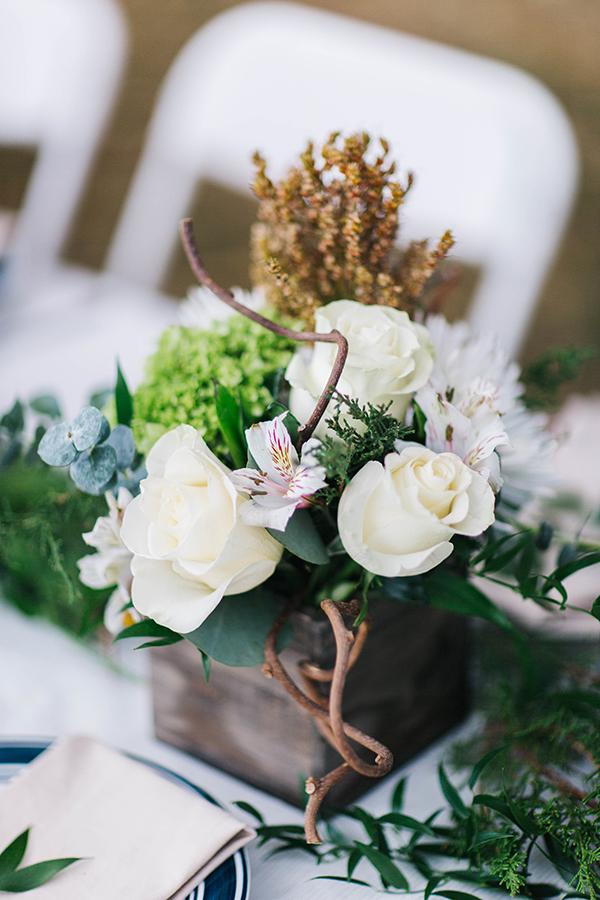 winter white table arrangements