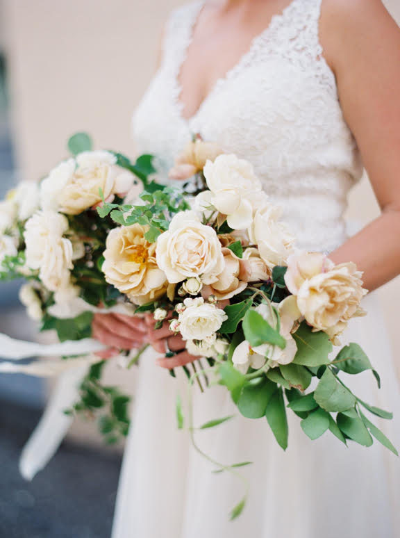 A warm and neutral bouquet made of English garden roses, maidenhair fern, and honeysuckle vine   Photo by  Kaylan Robinson