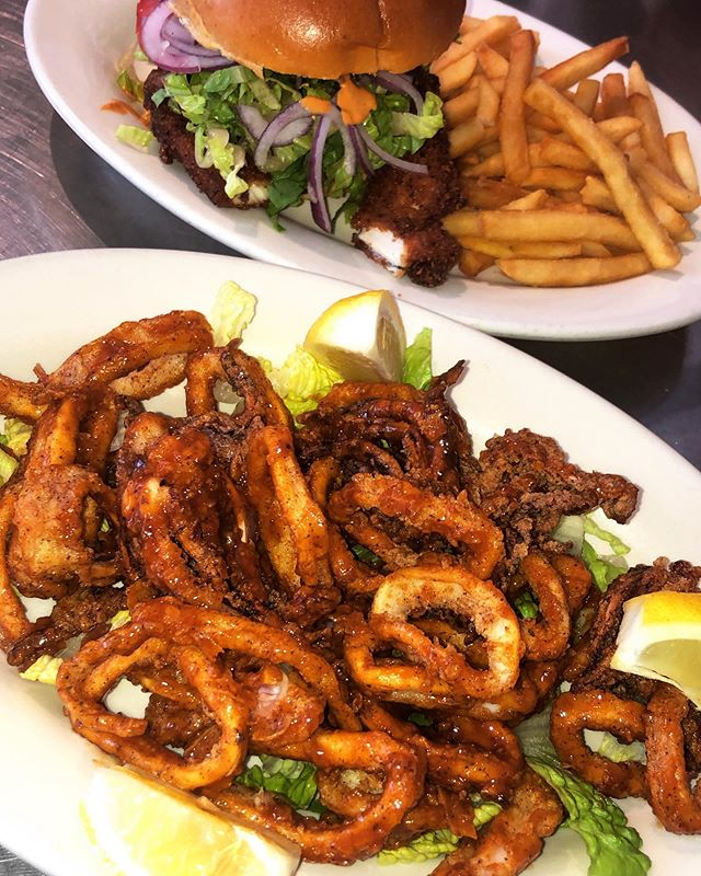In the mood to add a little spice in your life ? Try our very popular chipotle chicken sandwich or our NEW crispy buffalo calamari !!