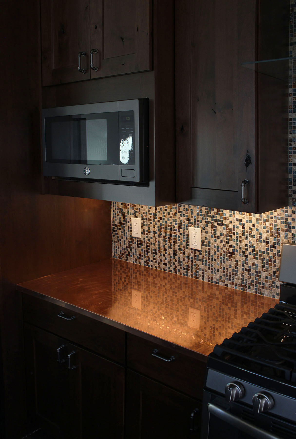 COPPER COUNTERS - CUSTOM MOSAIC TILE SPLASH