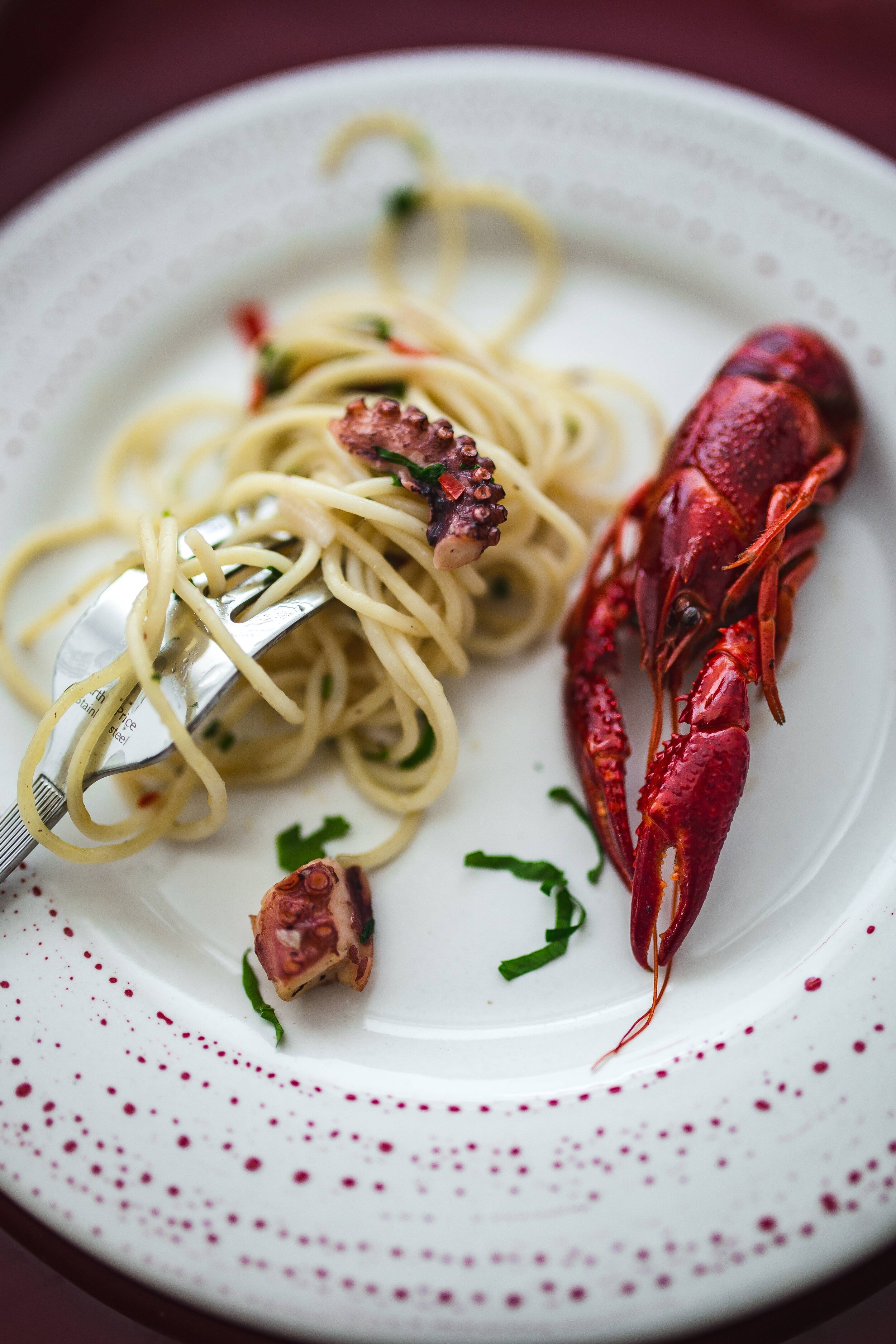foodiesfeed.com_fancy-dinner-with-seafood-pasta-and-crayfish.jpg