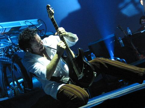 Steve_Lukather_solo_large.jpg
