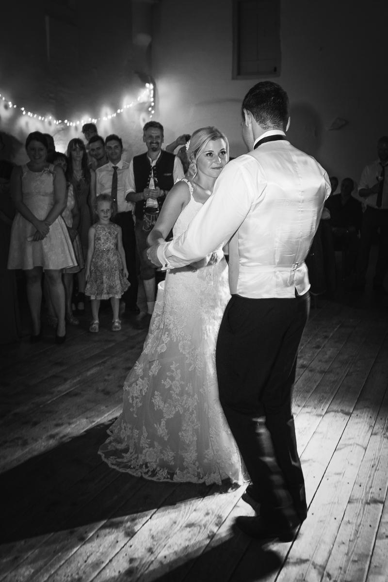 hochzeit-hochzeitsfotograf-straubing-wedding44.jpg