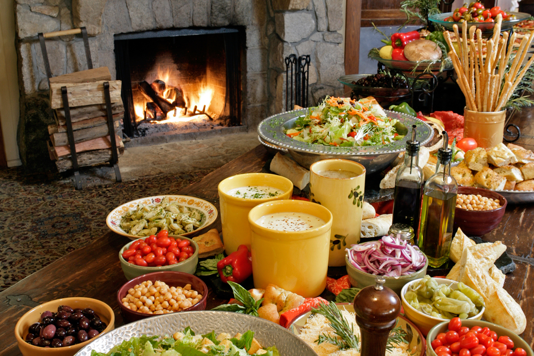 salad-buffet-lunch.jpg