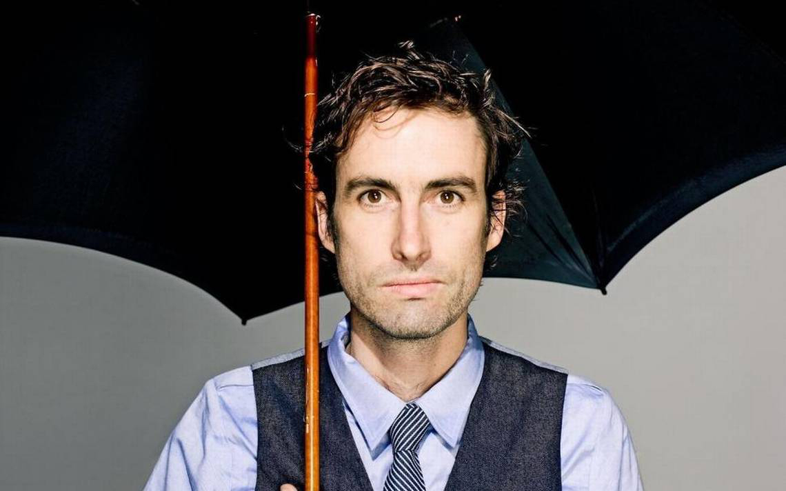 Andrew Bird purchased Peter Seman's cornerless 5-string violin in 2017.