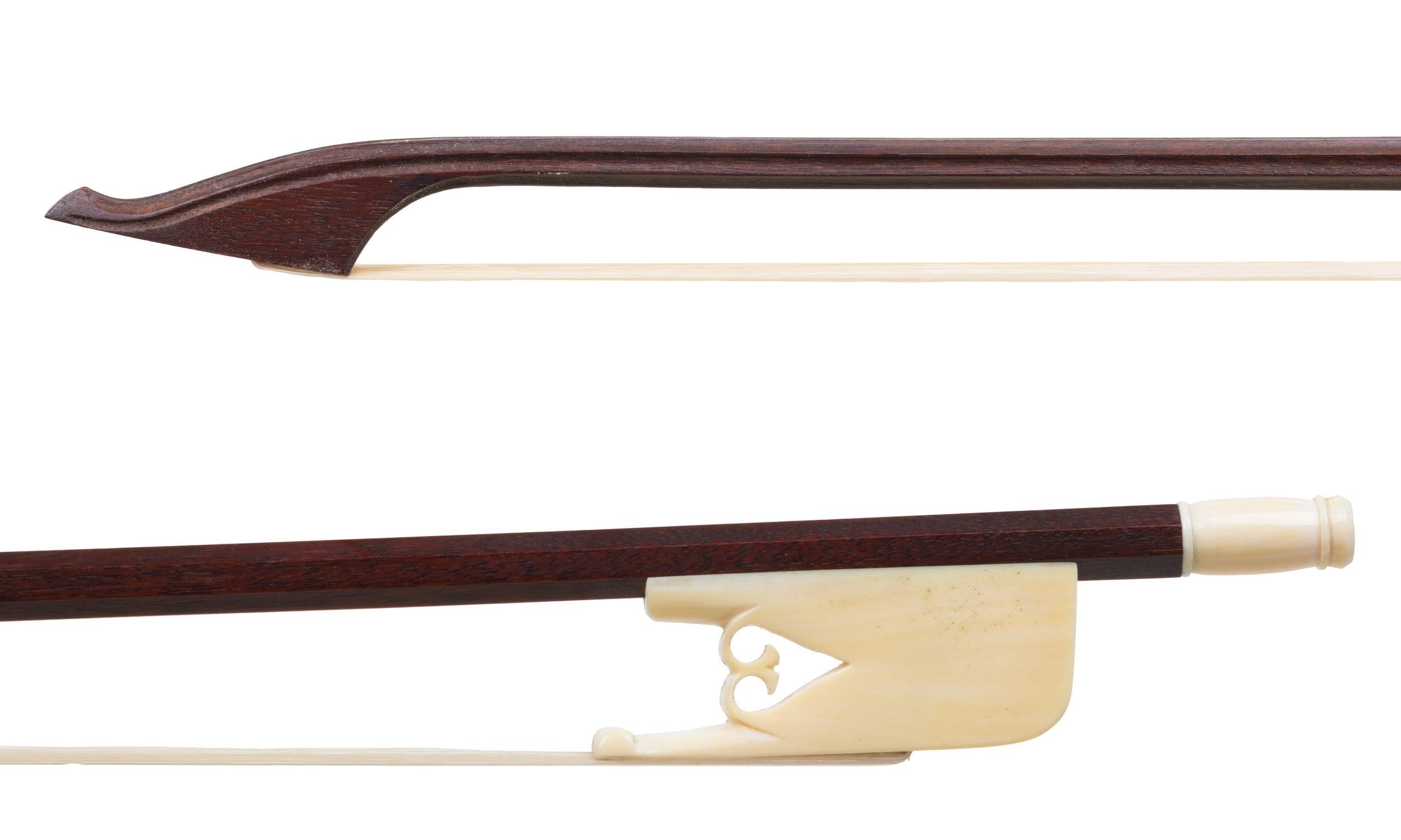Arnold Dolmetsch baroque ce bow.jpg