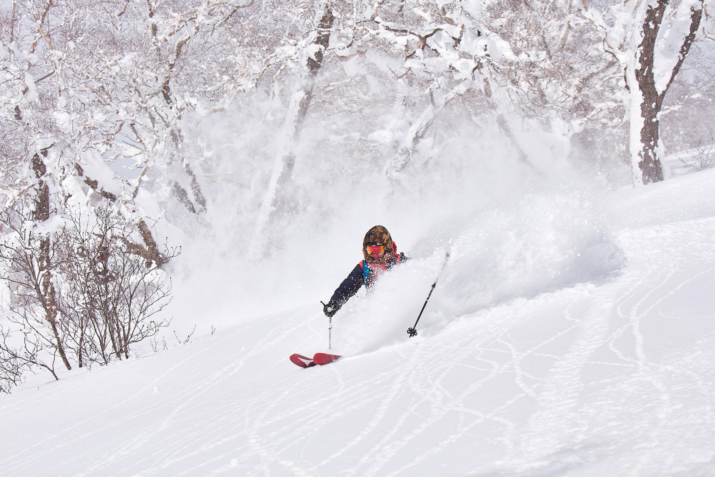 Japan-Skiing-2.jpg