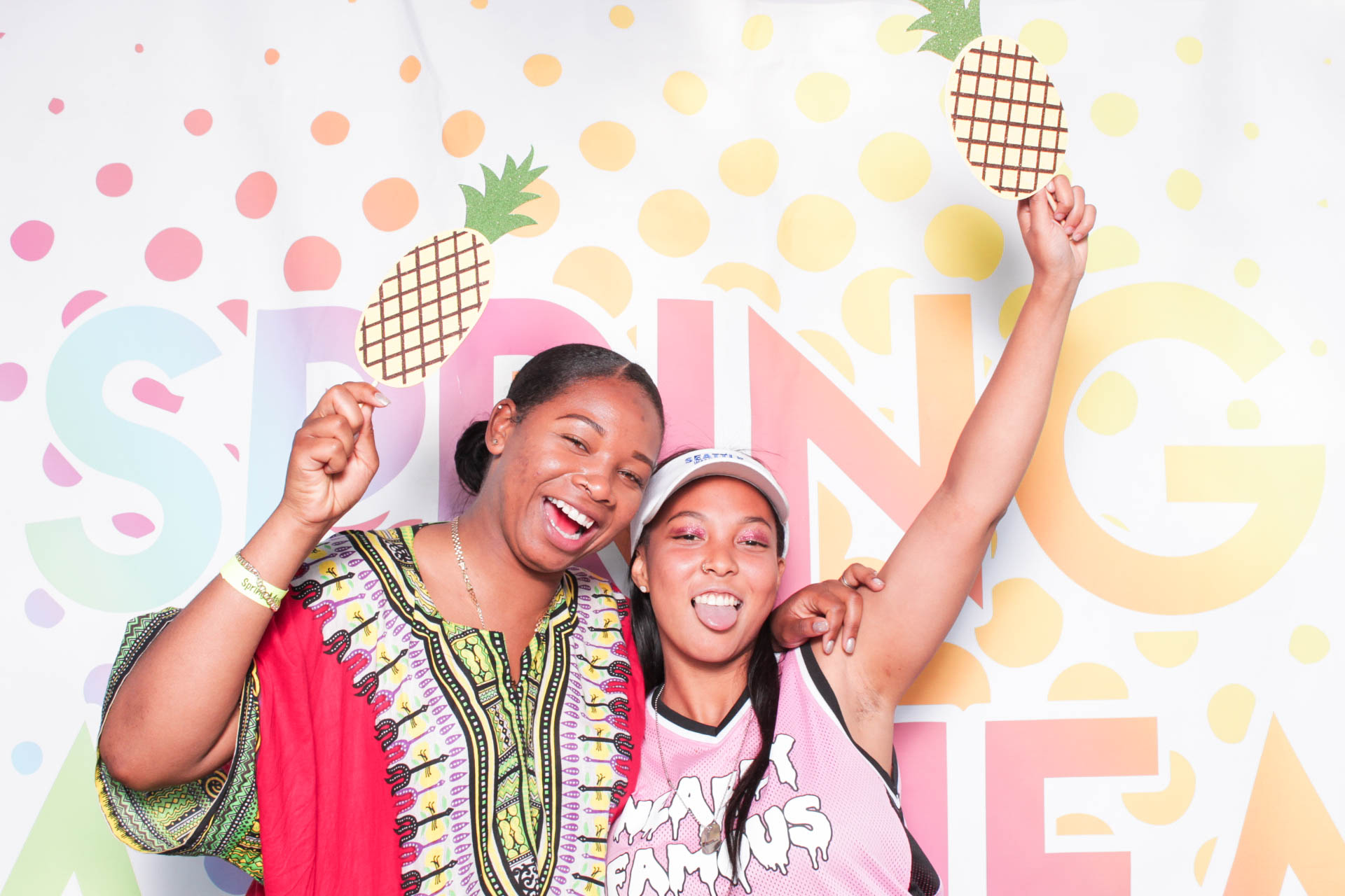 CHROMA PHOTOBOOTH FESTIVALS CONCERTS