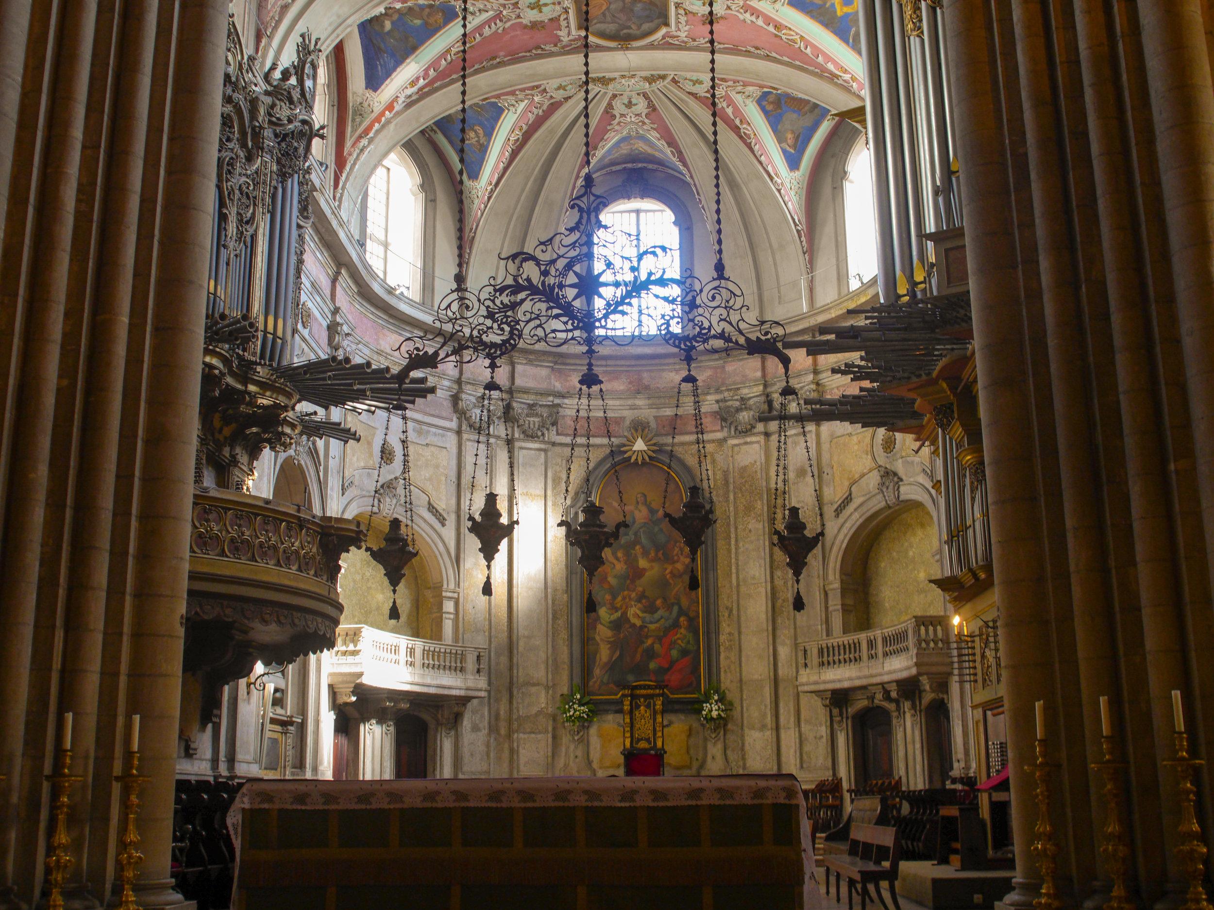 cathedralinsideedit (1 of 1).jpg